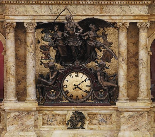 It's about time for all those Father Time images again! This is the rotunda clock in the Library of Congress's Thomas Jefferson building. The sculptor, John Flanagan (1865-1952) also designed the Washington Quarter