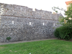 No self-respecting medieval wall would be complete without slits for the archers to shoot the besiegers.